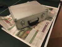 Lightweight gig box