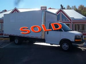 2010 GMC Savana G-3500 16' BOX WITH ROLL UP DOOR!! 6.0 V8!! AIR!
