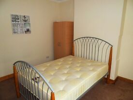 Good Size double rooms near seven kings station and Gants Hill station No Agency Fees