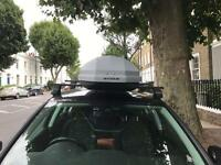 360L Exodus roof box with Thule roof bars