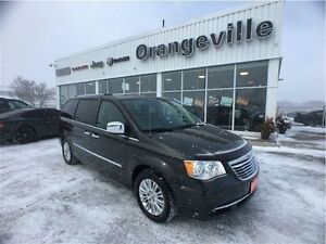 2012 Chrysler Town & Country LIMITED, NAV, ROOF, DUAL DVD,