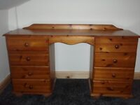 pine desk/dresser solid pine