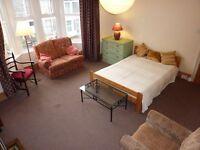 Huge Room to Rent Short or Long Term Horfield