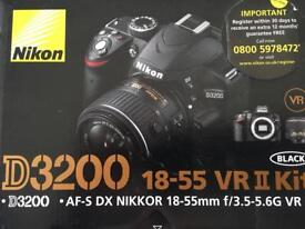 Nikon D3200 18-55 VR II Kit (+ Accessories) £370 ONO