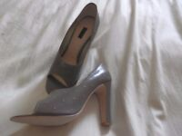 Kurt Geiger ladies shoes with heel, taupe , size 6