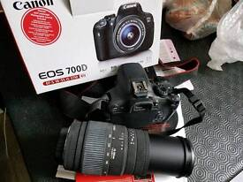 Canon 700D digital SLR camera with big zoom lens 18mp touchscreen
