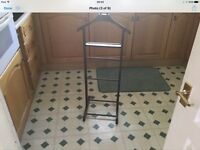 CLOTHES STAND.....