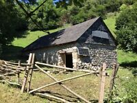 Barn for sale in the Pyrenees National Park (France)