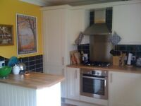 Large and sunny double bedroom available in newly refurbished house in convenient Stirling location