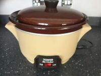 TOWER slow cooker 2 litre capacity. Excellent condition