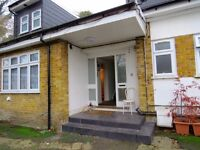 1 bed flat to rent in Mountfield Road, Finchley Central N3 £1100pcm