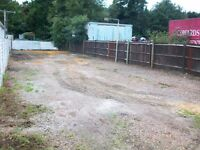 LOCK UP YARD TO LET CHERTSEY