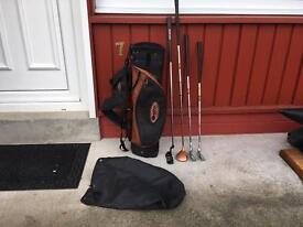 Junior kids golf clubs (age 5-8) Wood, 7 iron, wedge, Putter & bag