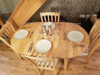 Table and 4 chairs extendable. Very good condition! Bargain!