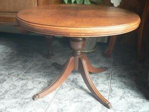 SOLID WOOD MAHOGANY COFFEE TABLE