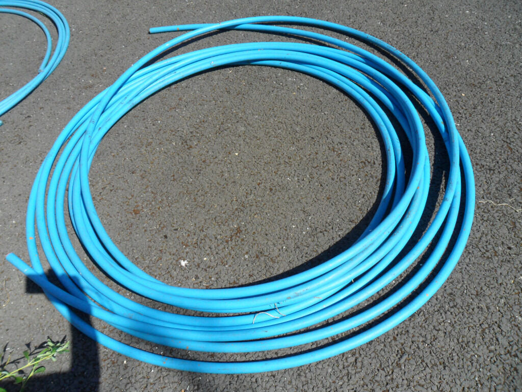Mains underground blue water pipe 25mm approx 34m - Pokesdown BH5 2AB