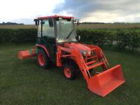 Kubota B2230 22HP 4WD Tractor and LA332 loader