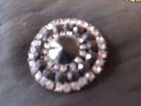 Vintage jet & diamante brooch