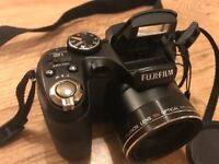 Fujifilm Finepix S1900 Digital Camera & Case