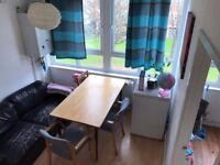 Spacious twin shared room is available now in Shadwell!! 90pw