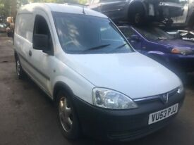 vauxhall combo 2003 1.7 diesel white - breaking for spares