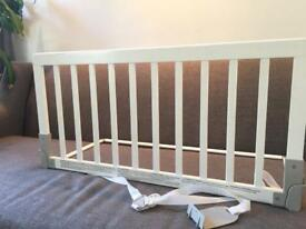 Baby Dan Wooden Bed Guard