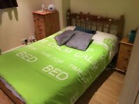 Double room to rent in 2 bed student flat