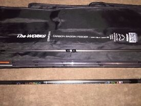 Brand New MIDDY The Works Carbon Baggin' Feeder Machine Carp Feeder Fishing Rod & Bag