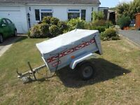 TRAILER FOR SALE. 4'X3' approx. METAL. FULL ELECTRICS. EXCELLENT CONDITION