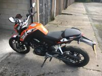 KTM 125 Duke 2015, Low Millage 1800 Miles, Excellent Condition,New 13 Months MOT 2549 o.n.o.