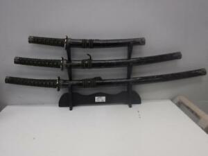 3-Piece Sword Set w. Stand - We Buy and Sell Pre-Owned Swords/Replicas - 117110 - SR927405