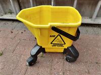 SYR TC20 - Large Kentucky Mop System Bucket