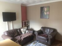 Well presented 4-bedroom house, located minutes walk from University. Treforest