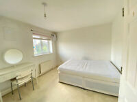LARGE ROOM FOR RENT 20MIN FROM CANARY WHARF AND CITY CENTER