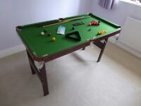 snooker table - 138 x 73cm