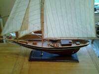 """Display model boat of """"Endeavour """" (Americas Cup)"""