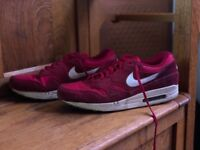Men's Nike Air Max size 11 (Red)