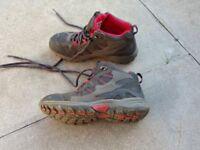 Regatta walking boots size 3