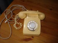 RETRO PHONE 70S CREAM IN COLOUR