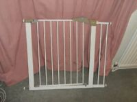 Lindam Child Safety Gate