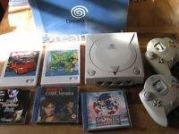 SEGA Dreamcast boxed with games