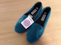 Ladies slippers, brand new, size 6, green by Damart