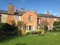 A double room with private shower room available in Eynsham - would suit student in Oxford