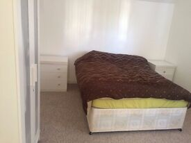Large Double bedroom with ensuite bathroom, all bills included