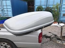 Halfords roof box 5ft with key and brackets