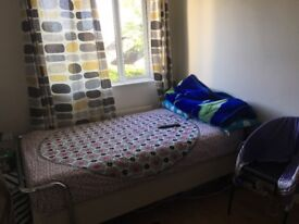 A large single room available in Ruislip for working person from 13 May. £480
