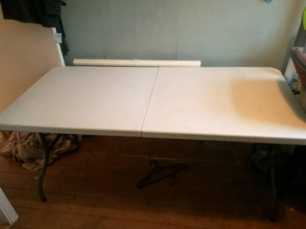 2 Heavy Duty Folding Tables