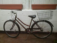 Classic Raleigh Ladies bicycle - Town bike with basket