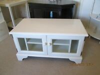 SOLID PINE TELEVISION STAND PAINTED LAURA ASHLEY COUNTRY WHITE