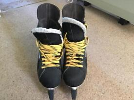 Men's Bauer Charger ice/hockey skates size 9